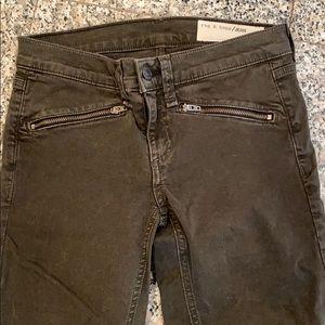 Rag & Bone Jeans size 23 Skinny with zipper pocket